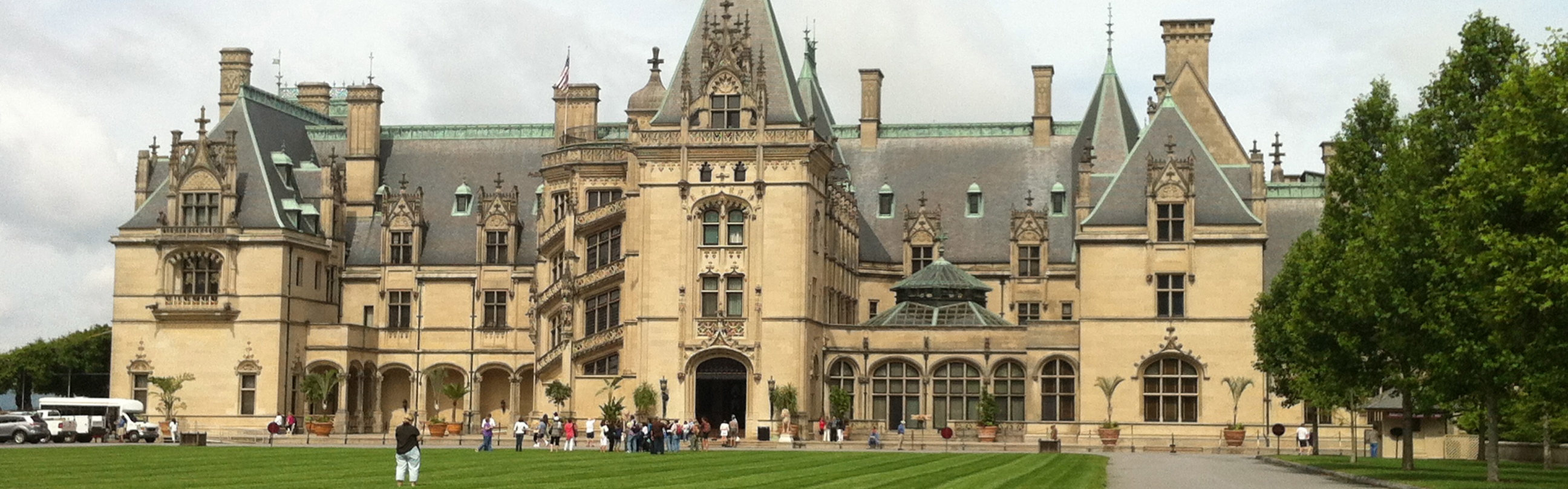 The biggest house in world biltmore asheville pictures for Picture of the biggest house in the world